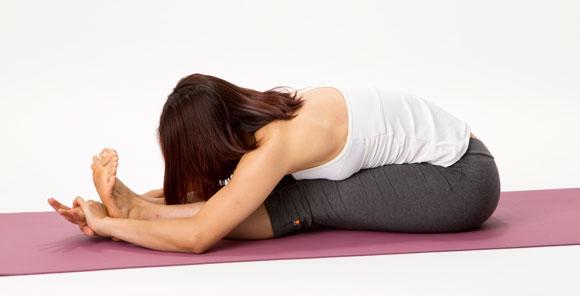 bent-forward 腰痛を楽にするストレッチ、悪くするストレッチ!オフィスでも出来る腰痛持ち必見のストレッチ術
